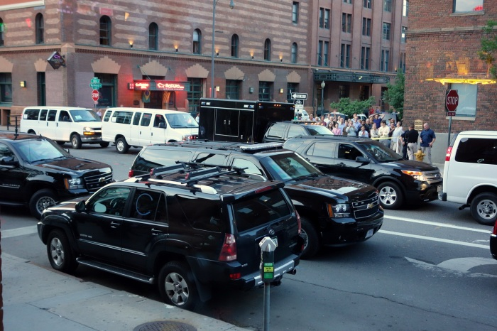 see all those people behind the motorcade? that's where i was stuck for a few minutes until talking my way into a personal escort into the bar. thanks secret service!